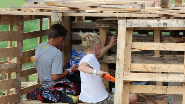 De foto's van de Huttenkamp staan online