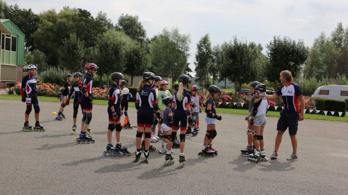 Woutje Brugge Inline Skaten op het Nolina terrein met de Ijsvereniging Woubrugge